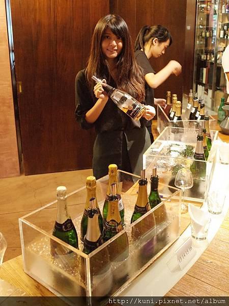 GR2 13082016 邀月香檳餐酒 (15).JPG