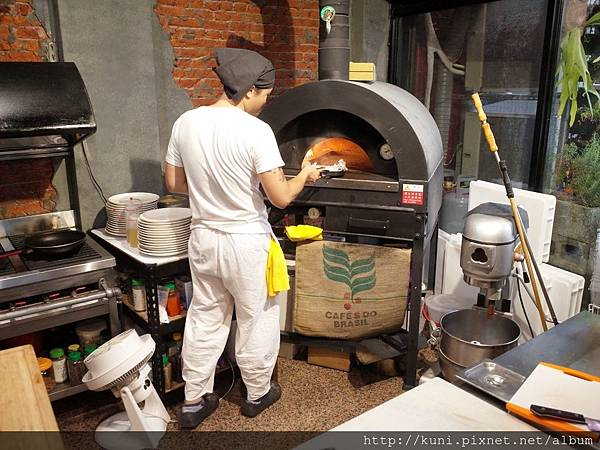 GR2 31082018 LLL Pizzeria (5).JPG