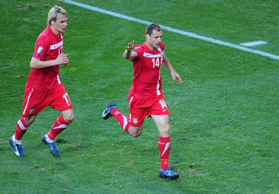 塞爾維亞代表-100618-03-sina.jpg