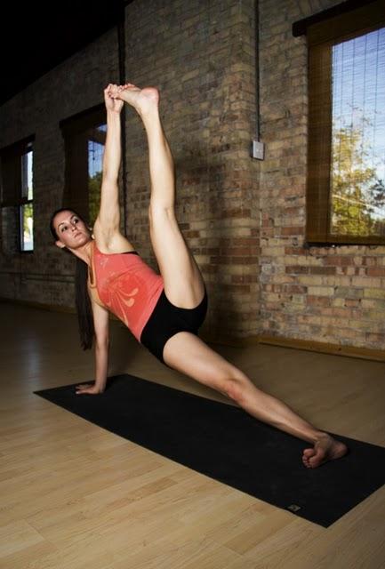 sexy-yoga-03.jpg