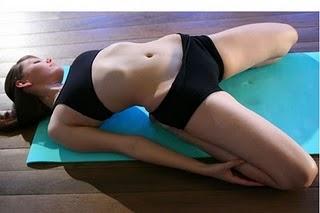sexy-yoga-01.jpg