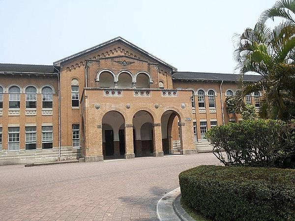 文學院1.jpg