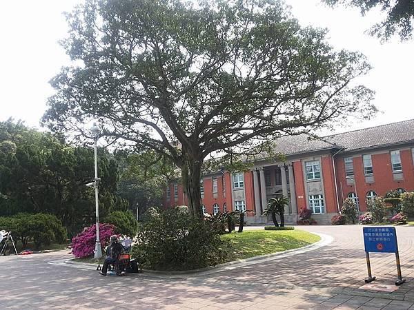 行政大樓3.jpg