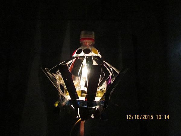work-233-03-側視(開燈)-元宵提燈(飛碟型)
