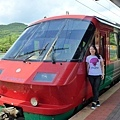 我們做這台豪斯登堡JR專車到豪斯登堡的~每節車廂都有豪斯登堡的LOGO..^^