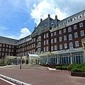 豪斯登堡裡的建築都是歐式建築~旅館都是長這樣...有些旅館跟威尼斯酒店一樣...可以坐船從旅館出來..很不錯就是貴了點