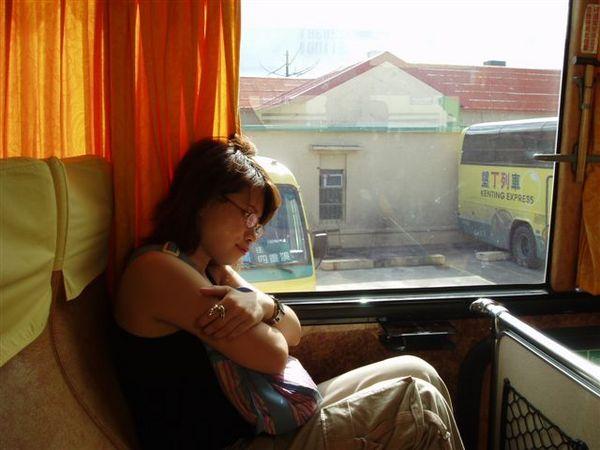 累到一個只想窩在旁邊睡