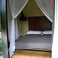 這是我們住的villa床