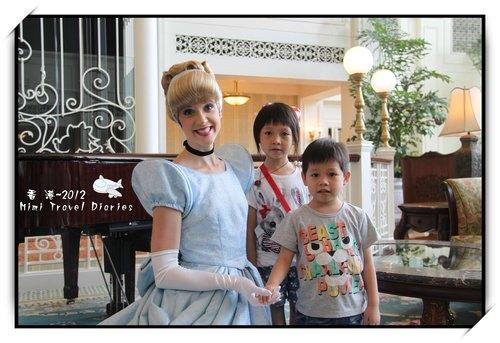 2012年香港行】台中出發~~香港迪士尼樂園酒店