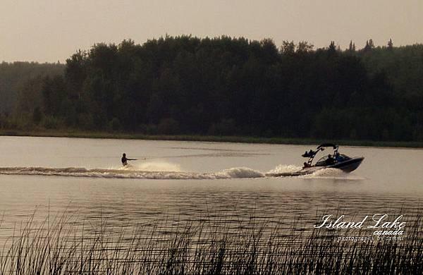 island-lake09