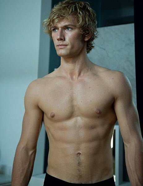 alex-pettyfer-shirtless-pic