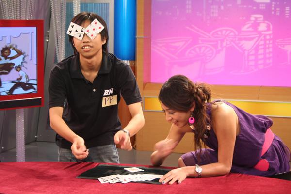 現在魔術師也要會搞笑就是了??