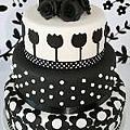 Black~White~Fantasy~wedding cake