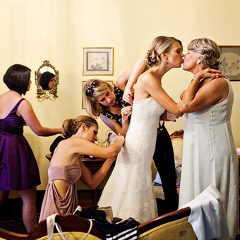 emotional-mother-of-the-bride-photos-20100911-001