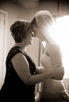 emotional-mother-of-the-bride-photos-20120428-008