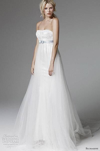 blumarine-bridal-2013-strapless-empire-waist-blue-sash