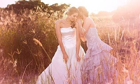 粉紅色婚紗