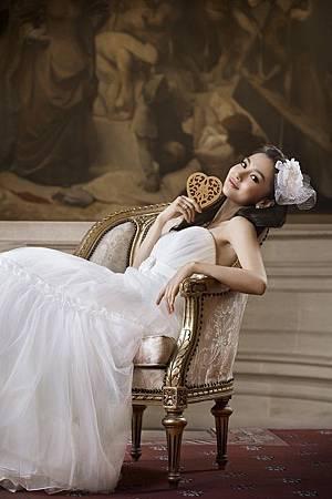 Angelababy拍GODIVA廣告穿白紗