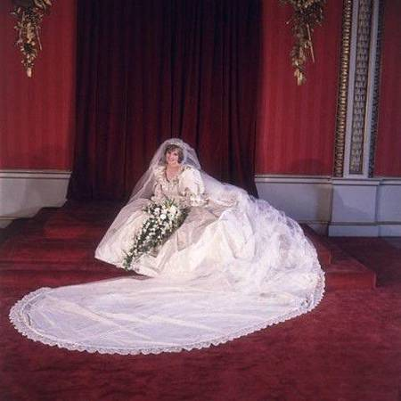 皇室新娘婚紗_黛安娜王妃