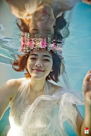 台中婚紗業打造水底婚紗攝影棚