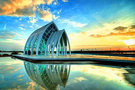 台南北門遊客中心「婚紗美地」水晶教堂