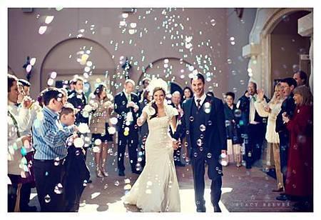 婚禮氣氛營造 泡泡水