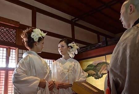 日本400年寺廟 公開宣傳幫同志主持婚禮