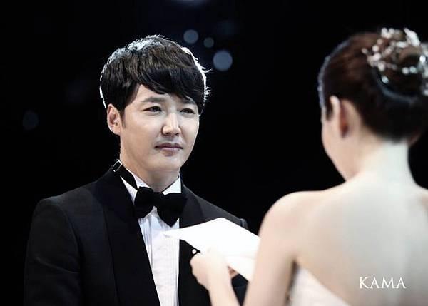 尹相鉉Maybee完婚