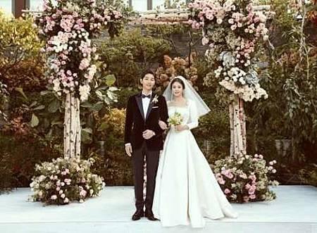 宋仲基 宋慧喬 結婚 婚禮 婚紗 2.jpg