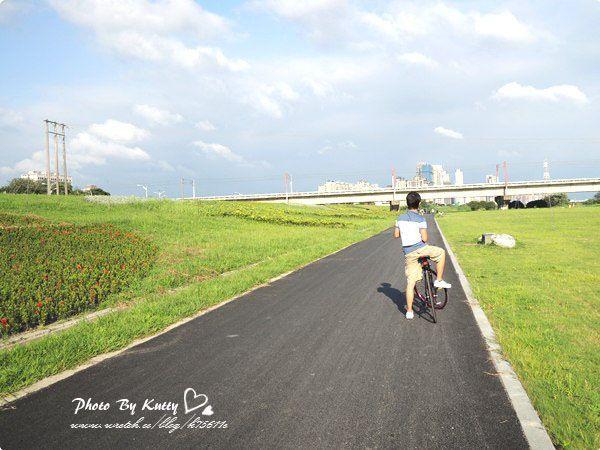 2013-5-26頭前溪腳踏車+世博 (2).jpg
