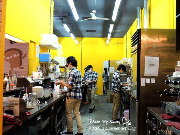 2013-11-29鯊魚咬土司光復店 (5).jpg