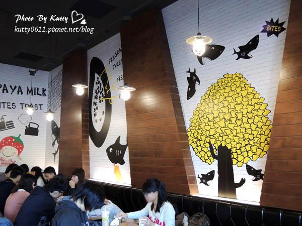 2013-11-29鯊魚咬土司光復店 (9).jpg