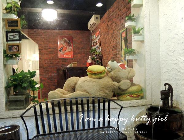 2014-9-22Mr'H漢堡 (3).jpg