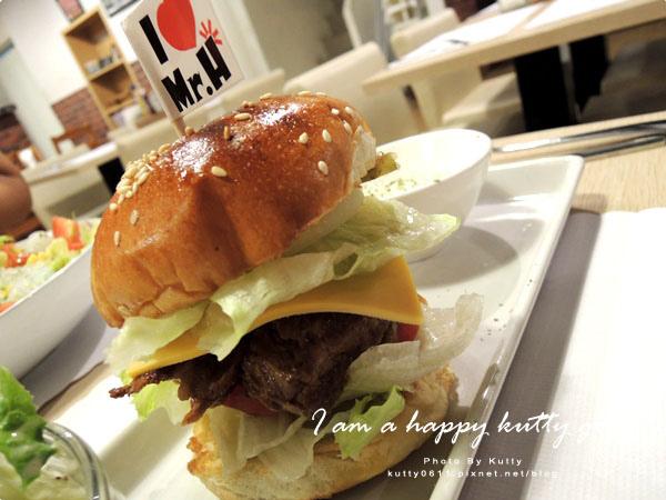 2014-9-22Mr'H漢堡 (32).jpg