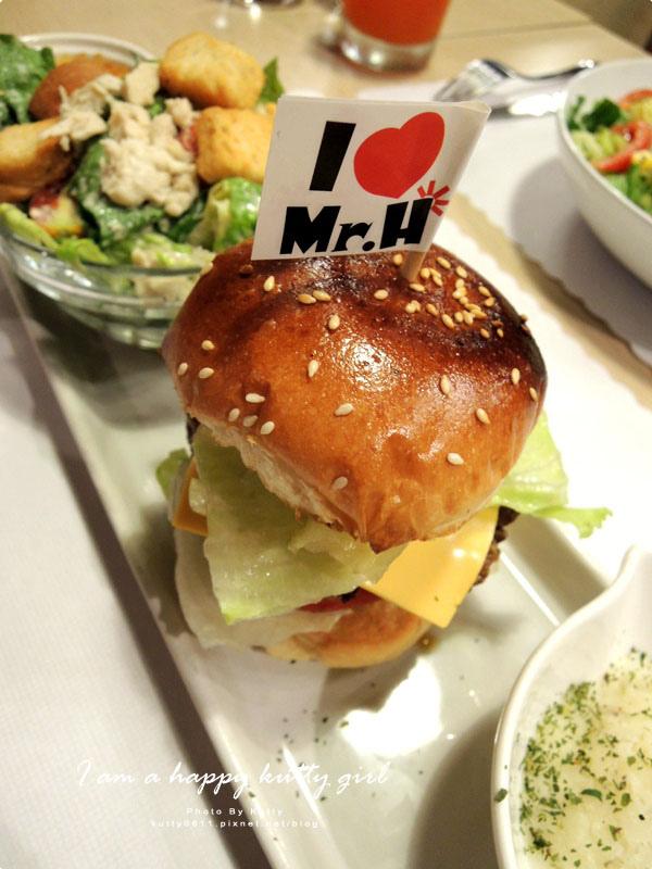 2014-9-22Mr'H漢堡 (33).jpg