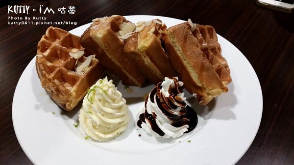 2015-10-30Lugo咖啡店 (16).jpg