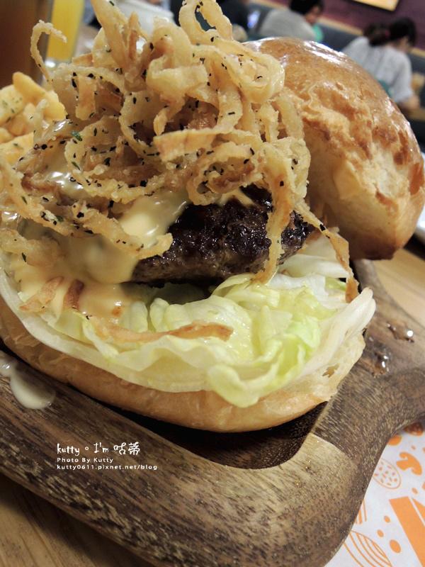2016-7-3大口吃漢堡 (18).jpg