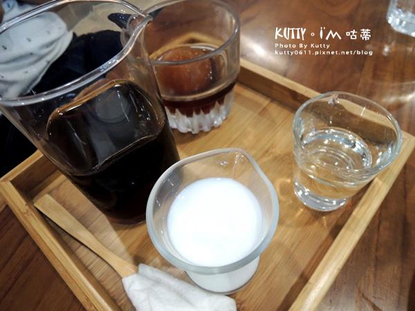 2018-6-18咖啡木(瑛婕) (3).jpg