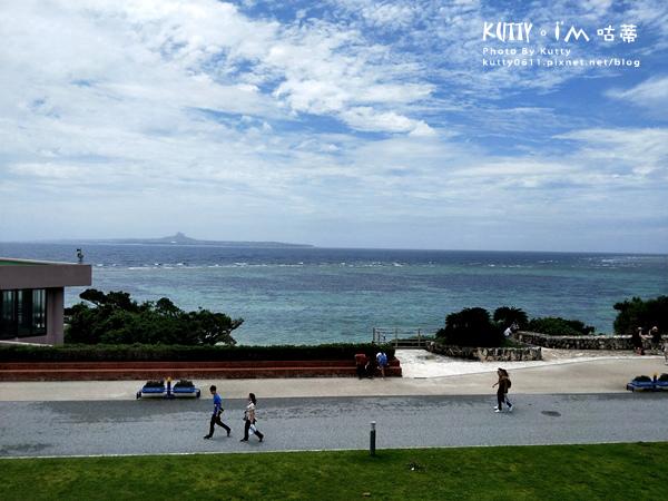 4沖繩海洋博公園-美麗海水族館-海豚劇場 (30).jpg