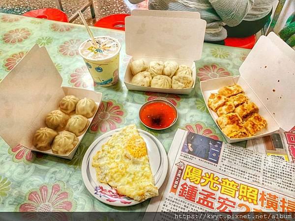 何記早餐店-2-.jpg