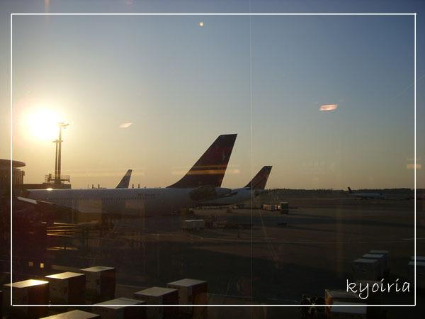 傍晚的成田機場
