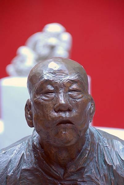 陳正雄銅雕人物頭部15.JPG