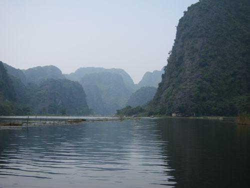 越南陸龍灣三谷湖 37.JPG
