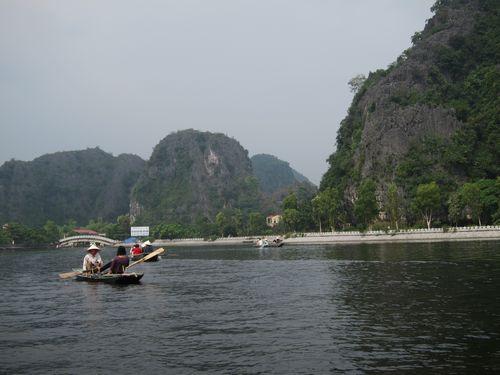 越南陸龍灣三谷湖 05.JPG