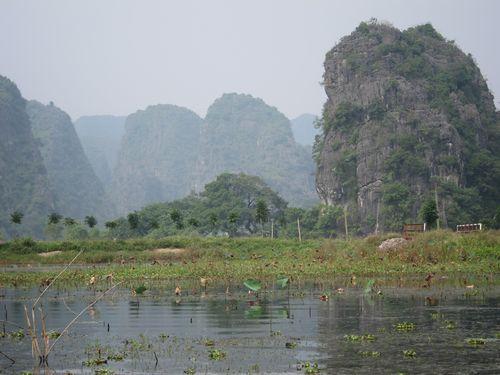 越南陸龍灣三谷湖 08.JPG