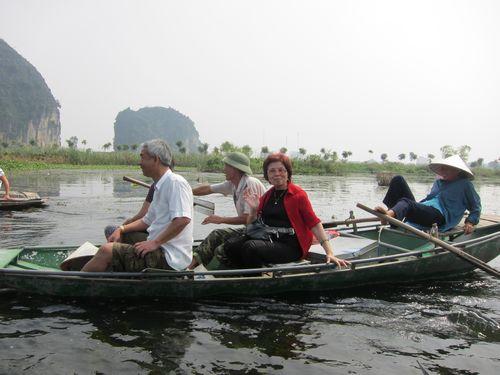 越南陸龍灣三谷湖 10.JPG