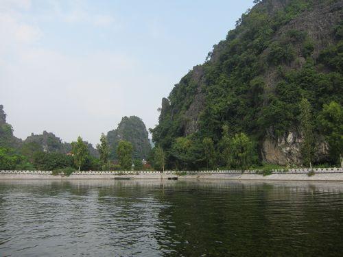 越南陸龍灣三谷湖 33.JPG
