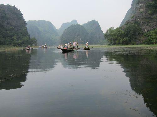 越南陸龍灣三谷湖 39.JPG