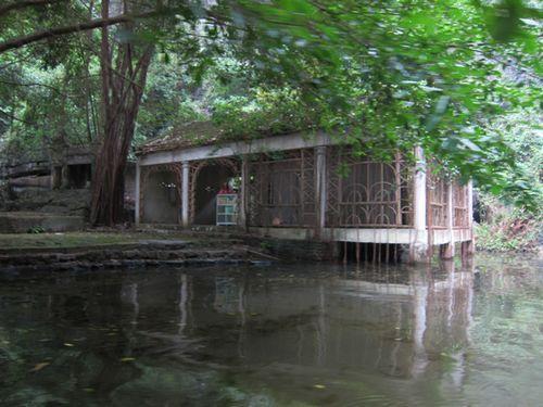 越南陸龍灣三谷湖 64.JPG