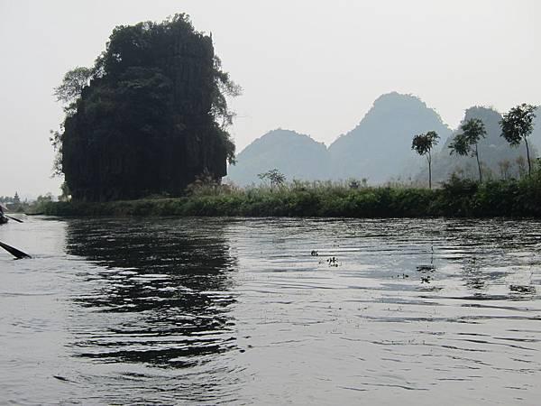 越南陸龍灣三谷湖 78.JPG